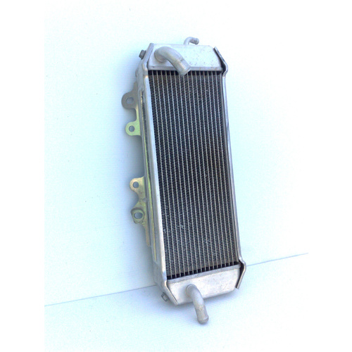 KAWASAKI KX250F 2006 -  RIGHT RADIATOR - GENUINE # 39061-0054 - SECOND HAND
